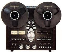 Technics RS-1700U Vintage Audio. Japanese-made reel-to-reel:  classic audio