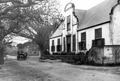 Kronendal Homestead, Main Road, Hout Bay 1910 Old Pictures, Old Photos, Vintage Photos, Cape Dutch, Cape Town South Africa, History Photos, Most Beautiful Cities, African History, Holland