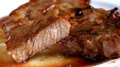 Steaks de porc au varoma, une recette délicieuse avec une sauce onctueuse et savoureuse, à réaliser facilement avec votre thermomix pour un repas rapide.
