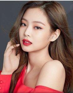 Top Hot & Spicy Photo& of Jennie Blackpink Blackpink Jennie, Kpop Girl Groups, Kpop Girls, Korean Girl, Asian Girl, Black Pink, Blackpink Fashion, Blackpink Jisoo, Face Shapes