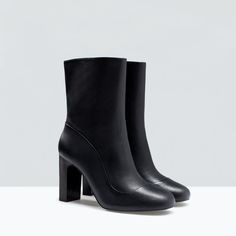 LEATHER HIGH HEEL ANKLE BOOT