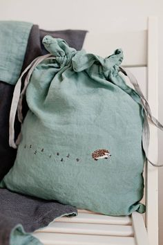 Linen Pouch Peppermint Green Linen Bag Hand Stitched gift bag Large Linen Pouch Bag in Mint Green and Light Grey with optional Hand Embroidery Embroidery Bags, Hand Embroidery Stitches, Hand Embroidery Designs, Hand Stitching, Embroidery Digitizing, Embroidery Materials, Embroidery Tattoo, Gift Bag Storage, Diy Sac