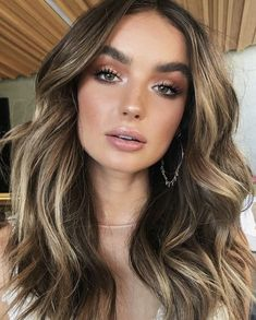 Natural glowing makeup look. Bronzer, warm eyeshadow eye ma… - Prom Makeup Looks Beauty Make-up, Beauty Hacks, Hair Beauty, Beauty Care, Beauty Tips, Beauty Style, Beauty Secrets, Beauty Women, Beauty Products