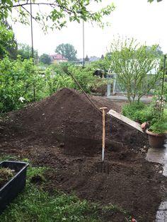 So sah bis vor kurzem unsere Baustelle bzw unser Garten aus!
