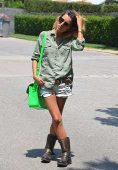 Zara Blouse, Blanco Shorts, Ash  Boots    http://littleprp.blogspot.com.es/2012/08/caqui-fluor-and-you.html