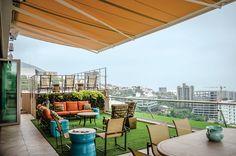 terraço com grama artificial
