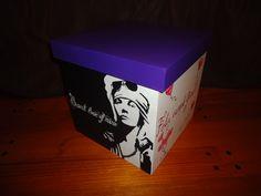 Caja 25x25x25 cm. personalizada - Axl Rose