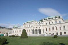 Fotografía: Gabriela Cuevas Bratislava, Tour Berlin, Budapest, Louvre, Mansions, House Styles, Building, Travel, Salzburg