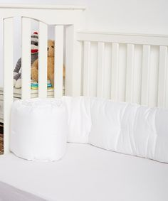 Look at this White Crib Bumper on #zulily today!