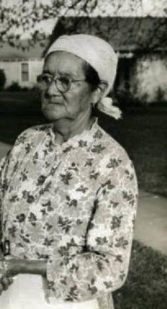 CHEROKEE WOMAN , circa 1944 Cherokee Tribe, Cherokee Woman, Cherokee History, Native American Tribes, My Heart Is Breaking, White Man, Peace And Love, Men Casual, Women