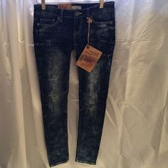 "NWT Big Star Jenae jeans!! 25R NWT Big Star Vintage Collection Jenae Low Rise Straight leg jeans size 25R These are seconds.  Inseam: 30"", leg opening: 5"" waist flat: 15"" rise: between 6"" and 6.5"".   Materials: 9.4.2% cotton, 5.1% polyester,.. 0.7% spandex. Made in China. Big Star Jeans Skinny"