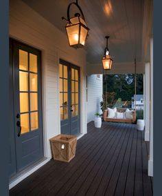 Nice 65 Beautiful Farmhouse Front Porch Decorating Ideas https://insidecorate.com/65-beautiful-farmhouse-front-porch-decorating-ideas/