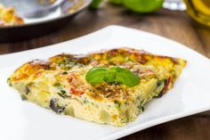Slow Cooker Spinach and Cheese Frittata - Get Crocked Slow Cooker Recipes from Jenn Bare for Busy Families Slow Cooker Recipes, Crockpot Recipes, Cooking Recipes, Healthy Recipes, Egg Recipes For Dinner, Vegetable Frittata, Frittata Recipes, Omelette Recipe, Spinach And Cheese
