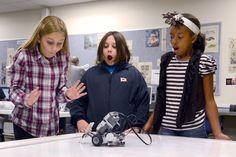 5th Graders in Robotics Lab