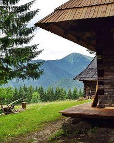 Tradične tradičná z veľmo tradičného Podšípa od Folk Art, Mountains, Nature, Travel, Instagram, Voyage, Popular Art, Viajes, Traveling