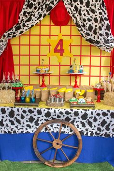 Dessert table at a Toy Story birthday party! See more party ideas at… Woody Birthday Parties, Woody Party, Toy Story Birthday, Birthday Party Themes, 4th Birthday, Birthday Ideas, Woody Y Jessy, Woody And Jessie, Toy Story Baby
