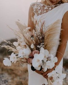 Pretty Wedding Bouquet Ideas for 2020 Trends, orchid and pampasgrass bouquet for boho rustic wedding theme, fall weddings, spring weddings Dried Flower Bouquet, Flower Bouquet Wedding, Dried Flowers, Floral Wedding, Fall Wedding, Rustic Wedding, Flower Bouquets, Bouquet Bride, Wedding Ideas