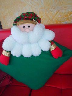 COJIN NAVIDEÑO  Papa Noel Fecha 23 oct 2014. Elf On The Shelf, Cushions, Dolls, Holiday Decor, Christmas, Home Decor, Youtube, Christmas Ornaments, Vestidos