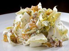 Salada de End�via ao Molho de Lim�o, Cream Cheese e Damasco - Veja mais em: http://www.cybercook.com.br/receita-de-salada-de-endivia-ao-molho-de-limao-cream-cheese-e-damasco.html?codigo=116466