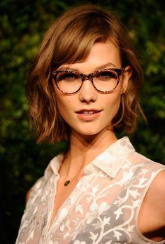 Lunettes de vue rondes: http://www.misterspex.fr/lunettes-de-vue/lunettes-rondes.html