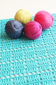 Prinsessajuttu: Virkattu tiskirätti, OHJE x 6 Fun Projects, Kids Rugs, Throw Pillows, Knitting, Crochet, Diy, Decor, Corner, Soap