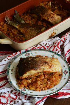 Crap de varza - CAIETUL CU RETETE Fish Recipes, Seafood Recipes, Crap, Romanian Food, Pulled Pork, Beef, Cooking, Ethnic Recipes, Pisces
