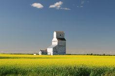 Burton Lake, Saskatchewan - Grain Elevators - Sask Photos - SaskPhotos.ca