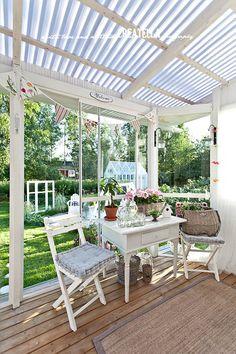 I Lilla Kamomillas Villa: Trädgårdsreportage I Terassi