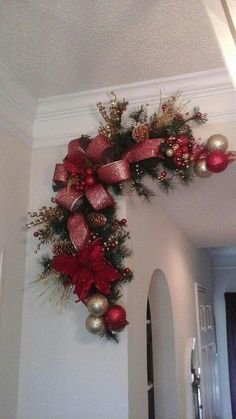 **must make this across entire mantle** Christmas Corner Wreath Garland Swag Fireplace Mantelcorner between hallway/living room /kitchen.Our choice of holiday decor may give every room a chic, seasonal appearance. Frugal decor is the very best decor! Diy Christmas Decorations Easy, Christmas Centerpieces, Christmas Projects, Christmas Crafts, Christmas Ornaments, Decoration Crafts, Christmas Lights, Garland Decoration, Diy Christmas Decorations For Home