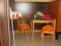 Spielecke im Barista Eiscafe (Dermbach/Thüringer Rhön) Restaurant, Barista, Chair, Furniture, Home Decor, Children Playground, Decoration Home, Room Decor, Diner Restaurant