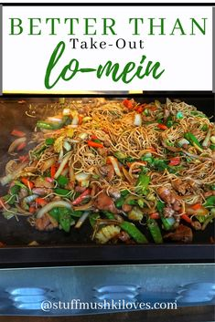 Tender chunks of chicken, crisp veggies, perfectly cooked Japanese noodles with an delicious sauce that tastes better than take-out! Outdoor Griddle Recipes, Outdoor Cooking Recipes, Healthy Grilling Recipes, Grill Recipes, Flat Top Griddle, Griddle Grill, Hibachi Recipes, Blackstone Grill, Recipes