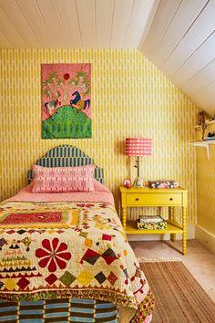 Cozy Bedroom, Girls Bedroom, Bedroom Decor, Bedrooms, Modern Cottage Style, Vintage Sofa, House Colors, Room Inspiration, House Design