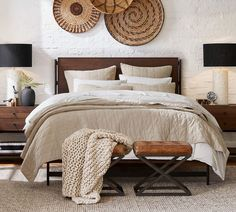 Linen Comforter, Leather Stool, Wood Platform Bed, Chunky Wool, Free Interior Design, Interior Ideas, Jute Rug, Natural Rug, Terrazzo