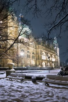 Winter view of Neues Rathaus (New Town City Hall) in Hannover