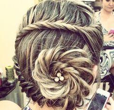 Pretty conch shell braid with pearls!!❤