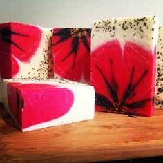 #handmade #vegan #coldprocess #poppy #soap with #poppyseeds by #kangarooapplesoapstudio - #lestweforget