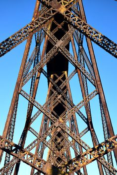 X structure - Old railroad bridge Bridge Structure, Railroad Bridge, Spring Awakening, Architecture Old, Caves, Bridges, Usa, Metal, Metals