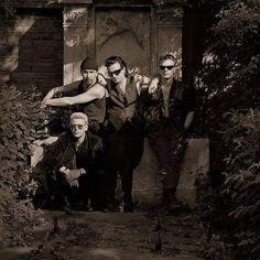 #U2 at #Zentralfriedhof in #Vienna [#Austria - 23th May 1992] Photo By: ©Herb Ritts [@herbritts] #u2memes #u2newsit #bono #bonovox #theedge #adamclayton #larrymullenjr #cemetery #monumentary #wien #wien🇦🇹 #band #rockband #music #90s #90smusic #photography #herbritts #herbrittsphotography #photo #sephia #austria🇦🇹#vienna🇦🇹#irish #irishmusic #irishrock