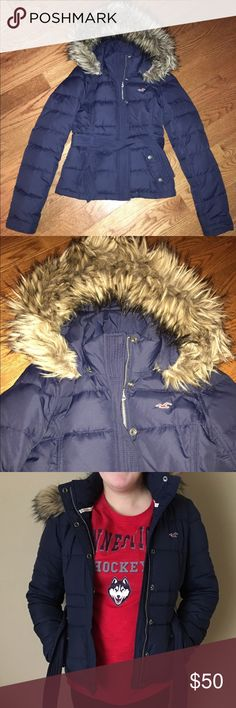 Hollister Navy Puffer Jacket Hollister Co. Navy Puffer Jacket with removable fur rimmed hood and tie waist. Hardly worn, in great condition like new! Hollister Jackets & Coats Puffers
