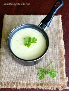 Sos beszamelowy (Beszamel) Food And Drink, Cooking Recipes, Lunch, Ethnic Recipes, Cos, Dressings, Meet, Spreads, Recipies