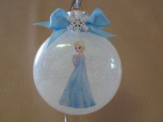 Diy glass ornament projects to try asap 53 Frozen Ornaments, Clear Glass Ornaments, Disney Ornaments, Painted Christmas Ornaments, How To Make Ornaments, Christmas Decorations, Tree Decorations, Frozen Christmas Tree, Mickey Christmas