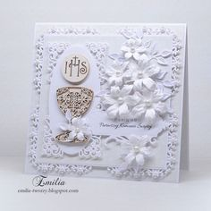 Kartka komunijna w bieli/Pierwsza Komunia Święta/Holy Communion First Communion Cards, First Holy Communion, Baby Frame, Baptism Gifts, Card Tags, Creative Cards, Decorative Boxes, Baby Booties, Paper