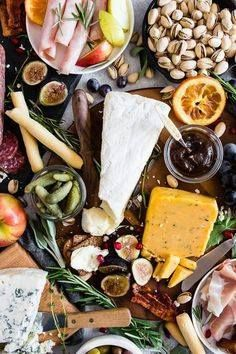 This fall harvest ch This fall harvest cheese board is the...  This fall harvest ch This fall harvest cheese board is the perfect combo of flavorful cheeses Italian meats dried fruits fresh fruits and crispy crunchy crackers. Recipe : http://ift.tt/1hGiZgA And @ItsNutella  http://ift.tt/2v8iUYW