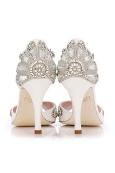 Emmy London is a celebration of luxury bridal shoes, occasion shoes and bridal accessories. Perfect for modern brides, wedding guests and big day events. Cinderella Wedding Shoes, Lolita Mode, Bridal Sandals, Ivory Sandals, Shoes Sandals, Sandals Wedding, Chic Vintage Brides, Vintage Style, Bridal Fabric