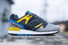 "Saucony Grid SD ""Games"" Grey, Blue & Yellow"