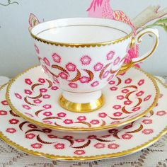 Really unusual pink flower and gold crescent pattern to this Tuscan trio. #vintageteacup #vintagechina #teacuplover #tea #teacup #Tuscan #teacupaddict #pink #vintage