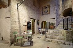 www.restolio.com - La Casa Rosa. In the heart of Castello di Postignano, Umbria. Owners Michele and Maria Fulvia immediately make you feel at home with warm smiles and friendly conversation. Chef Maria Massimiani will tempt you with her delicate but wholesome dishes and her irresistible desserts. Fresh ingredients and an unspoiled italian atmosphere for fantastic moments.  #Luxury #Restaurants #Italy (Pinned by #Casalio - www.casalio.com)  Check also our travel blog www.casaliotravel.com