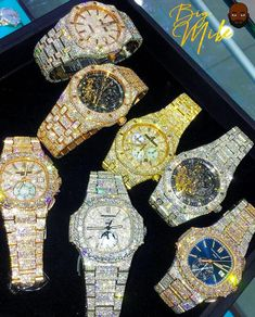 A silver pocket watch is something other pieces of jewelry are not: it is timeless. Watch are the very embodiment of beauty. Stylish Watches, Luxury Watches For Men, Cool Watches, Gold Diamond Watches, Rolex Diamond Watch, Silver Pocket Watch, Expensive Watches, Beautiful Watches, Cute Jewelry
