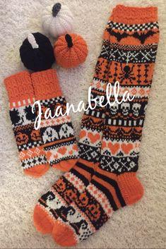 Kepposet,omalla twistillä ja Halloween-lapaset/Halloween socks and mittens Halloween Socks, Mittens, Gloves, Winter, Handmade, Fingerless Mitts, Winter Time, Hand Made, Fingerless Mittens