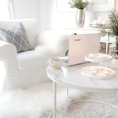 in living room living room and white living room in the living room living room room inspiration in the living room song room layout ideas Home Living Room, Apartment Living, Living Room Decor, Living Spaces, Small Living, Home Interior, Interior Design, Living Room Inspiration, New Room